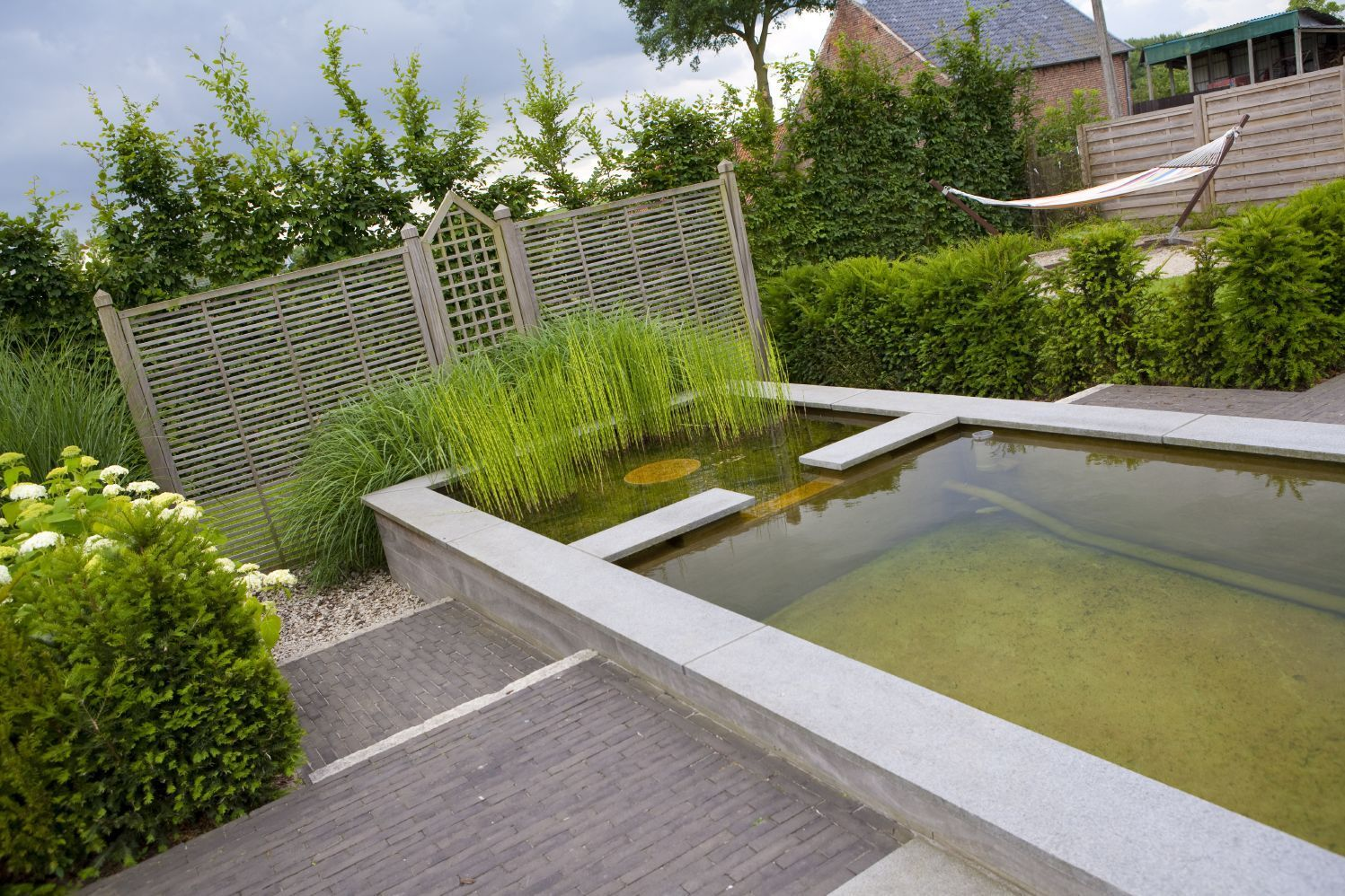 Extreem waterpartij in tuin rv82 belbin info for Moderne waterpartijen tuin